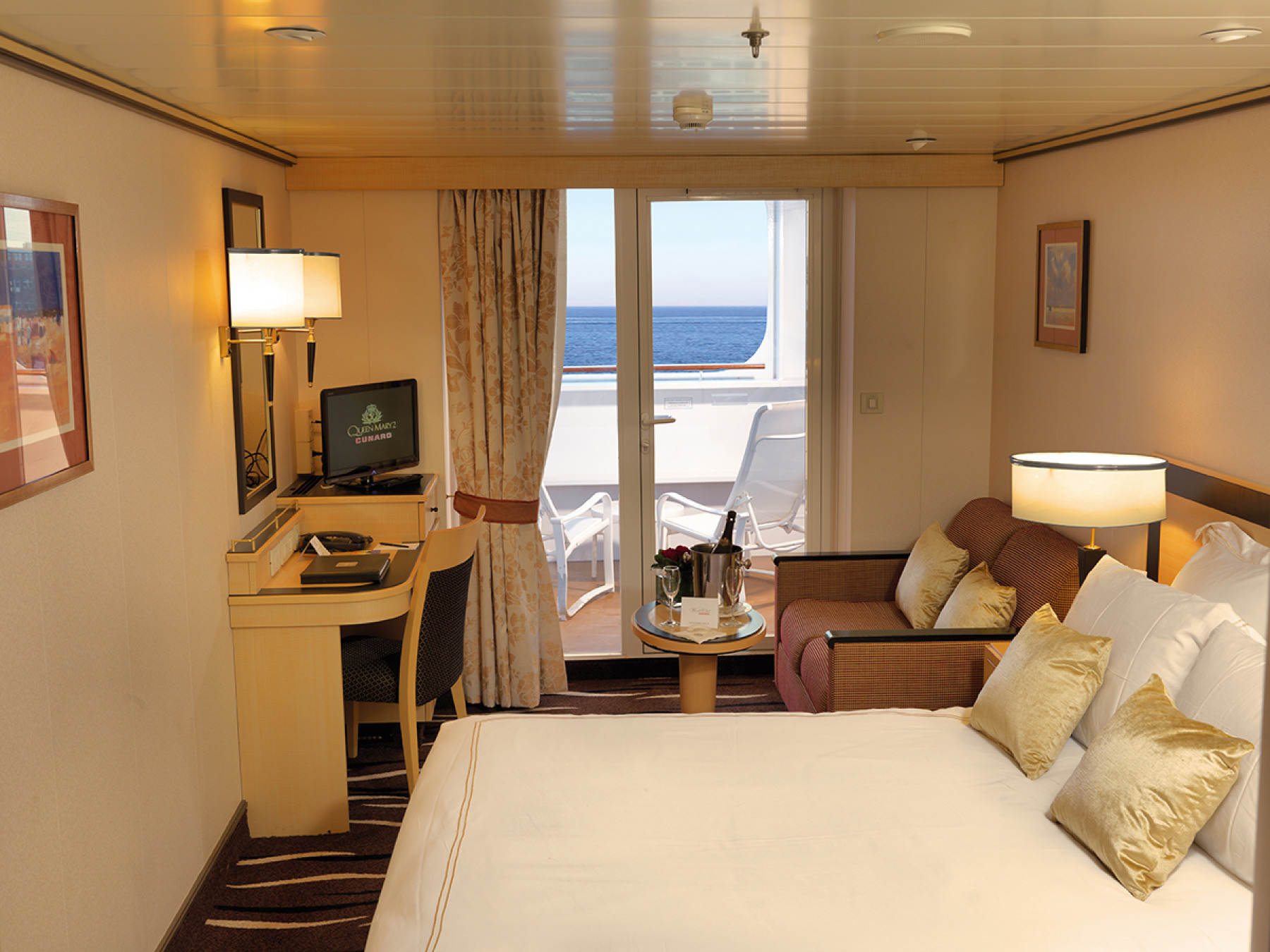 cunard queen mary 2 b1 premium balcony.JPG