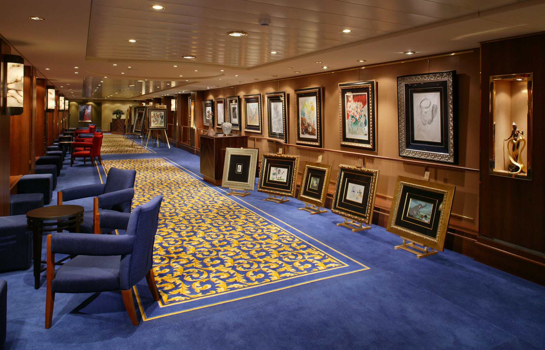Cunard Line Queen Mary 2 Art Gallery 1.JPG