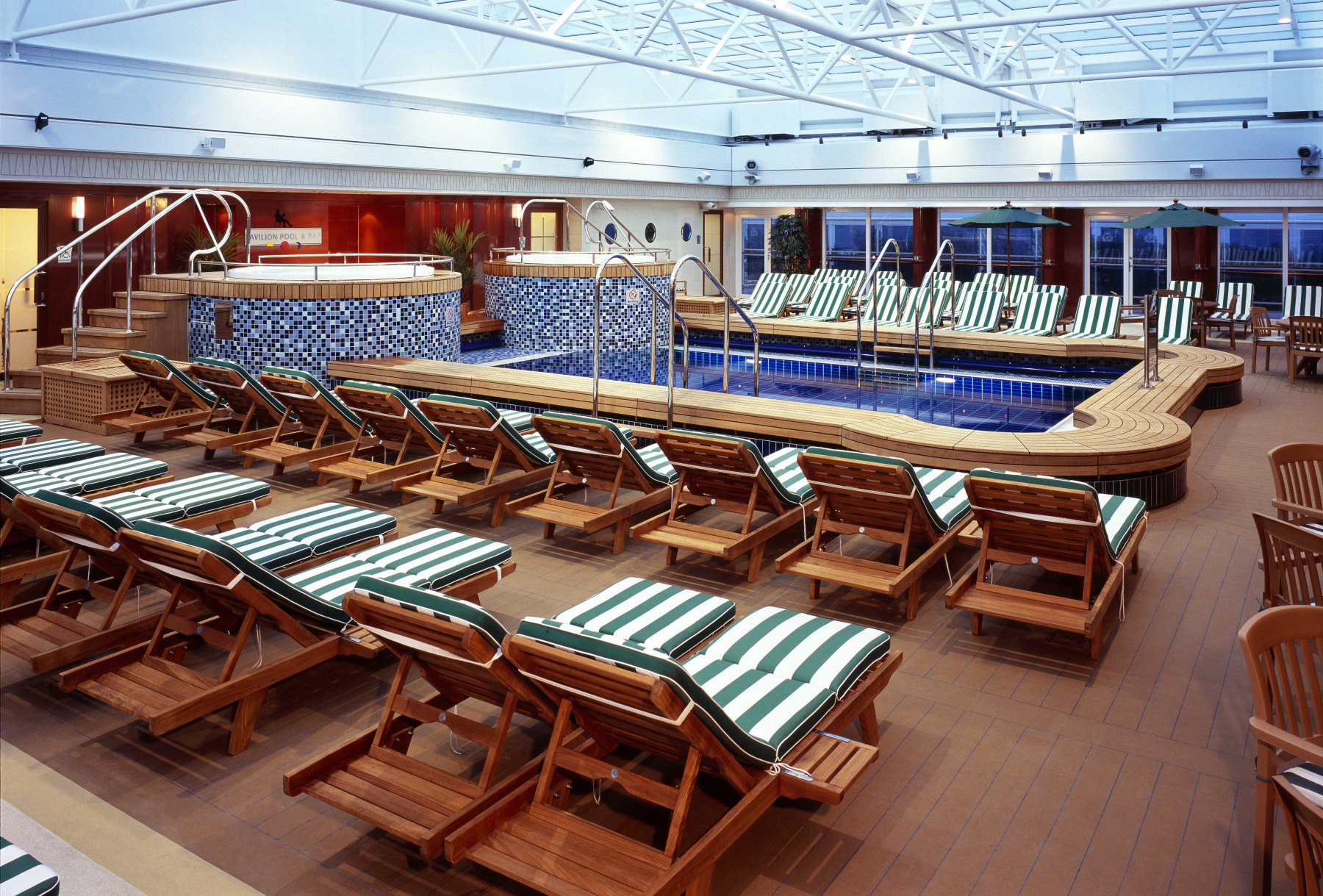 Cunard Line Queen Mary 2 Pavilion Pool 2.JPG