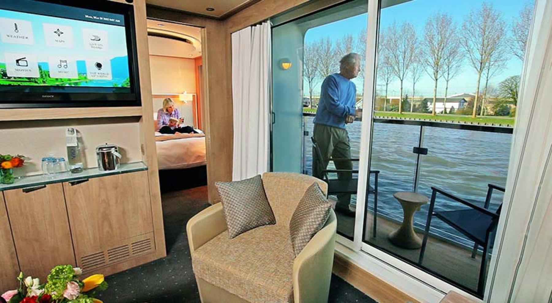 Viking River Cruises - Freya - Accommodation - Veranda Suite - Photo 4.jpg