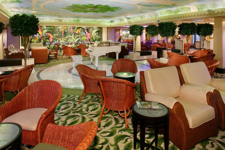 qm2 winter garden.JPG