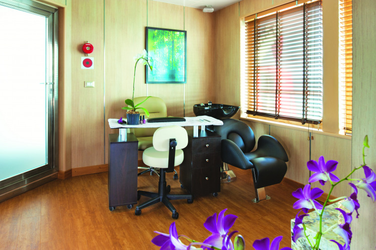 Silversea Cruises Silver Whisper Interior Beauty And Massage Room 3.jpg