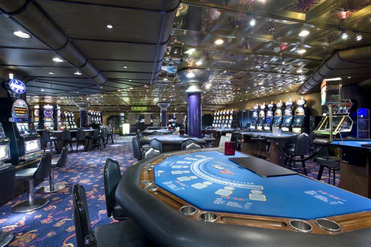 Carnival Fantasy Club 21 Casino 1.jpg