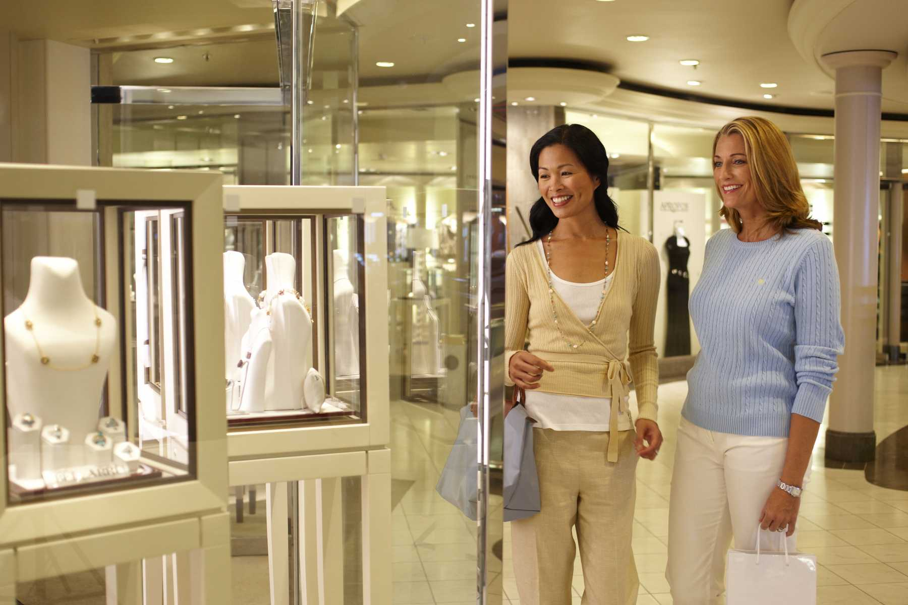 crystal cruises crystal symphony boutiques 2.jpg