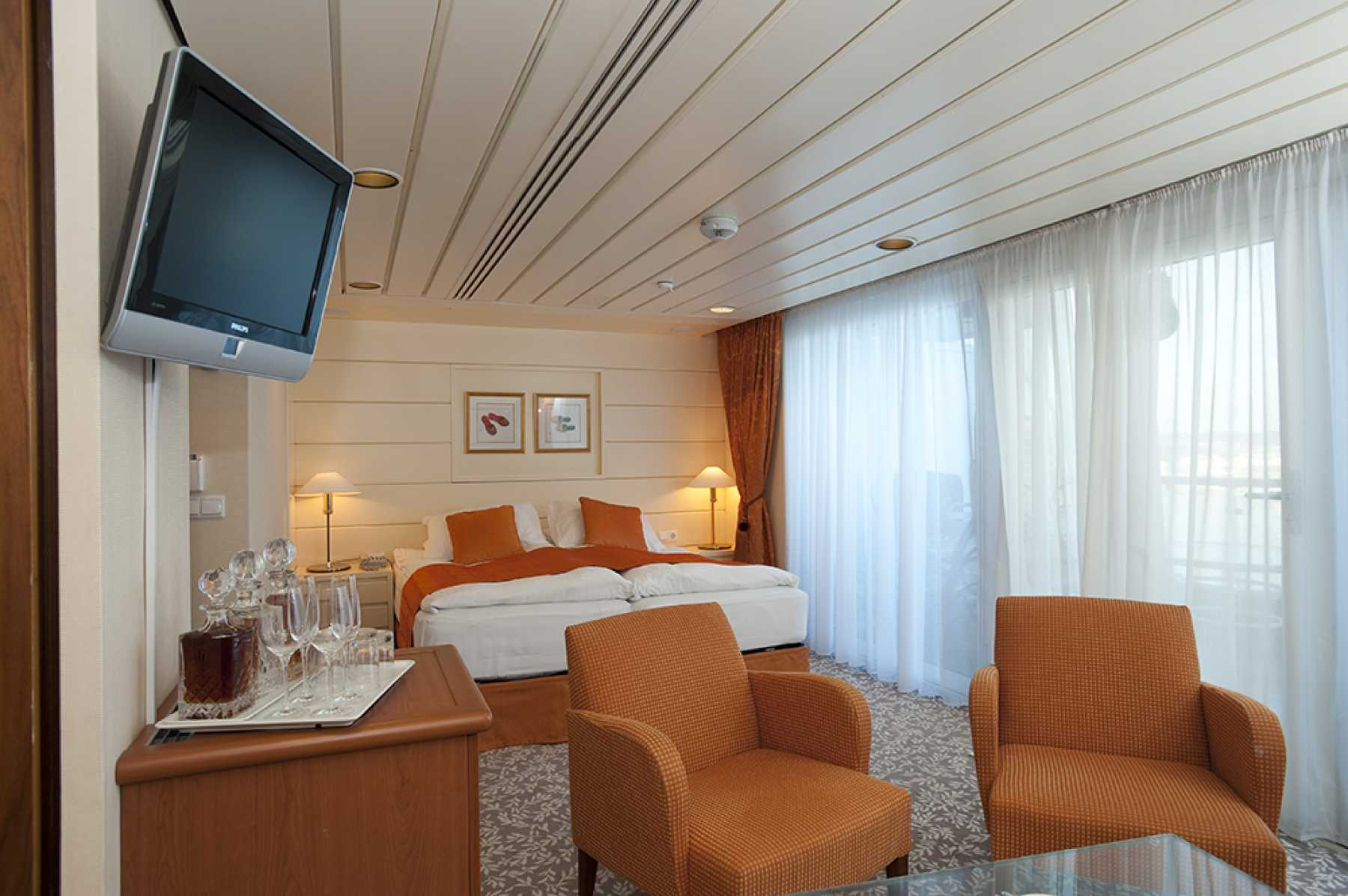 Tv Meubel Avignon Gamma.Cruise Select Netherlands Belgium City Break