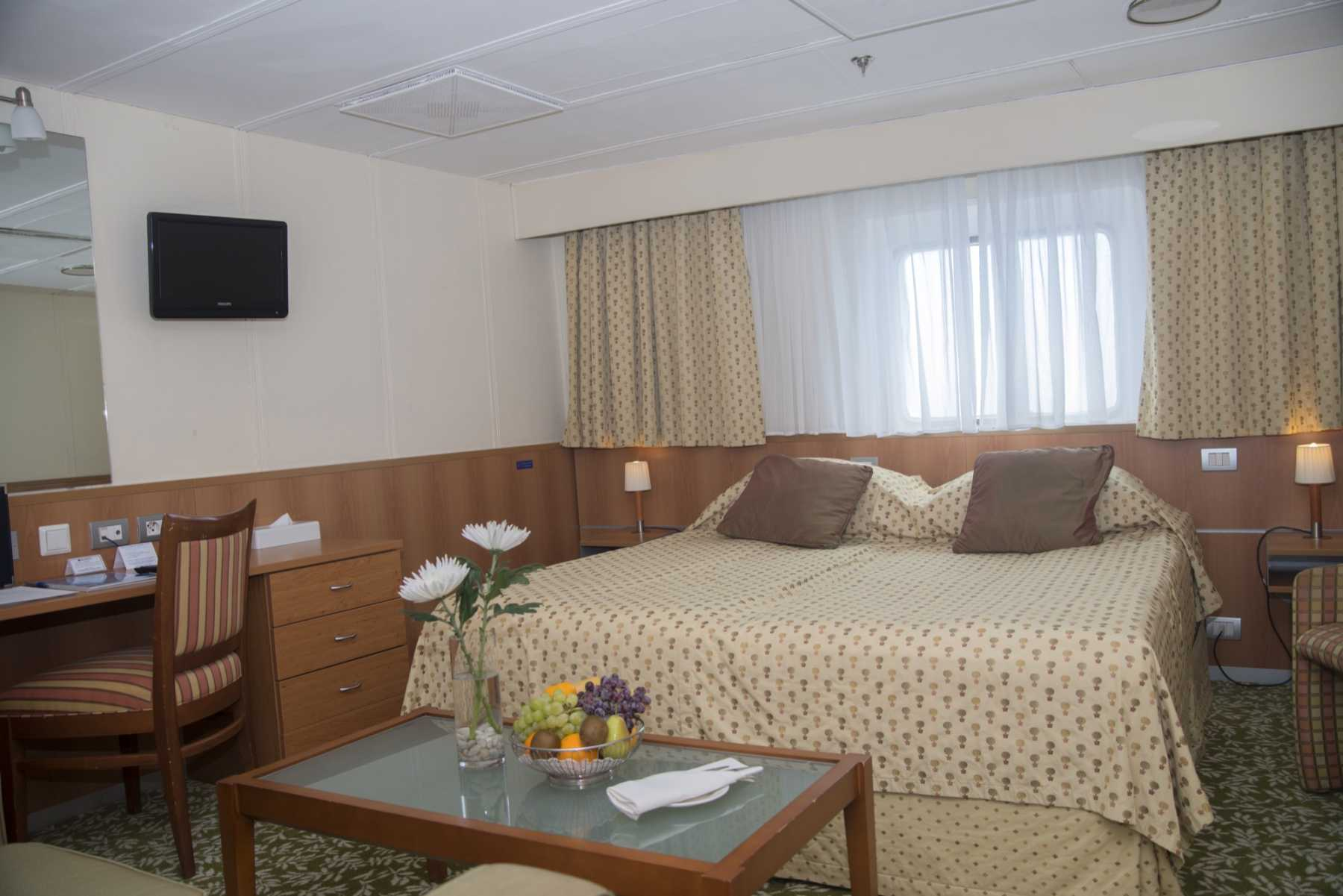 Fred Olsen Cruise Line Boudicca Accommodation Junior Suite.jpg
