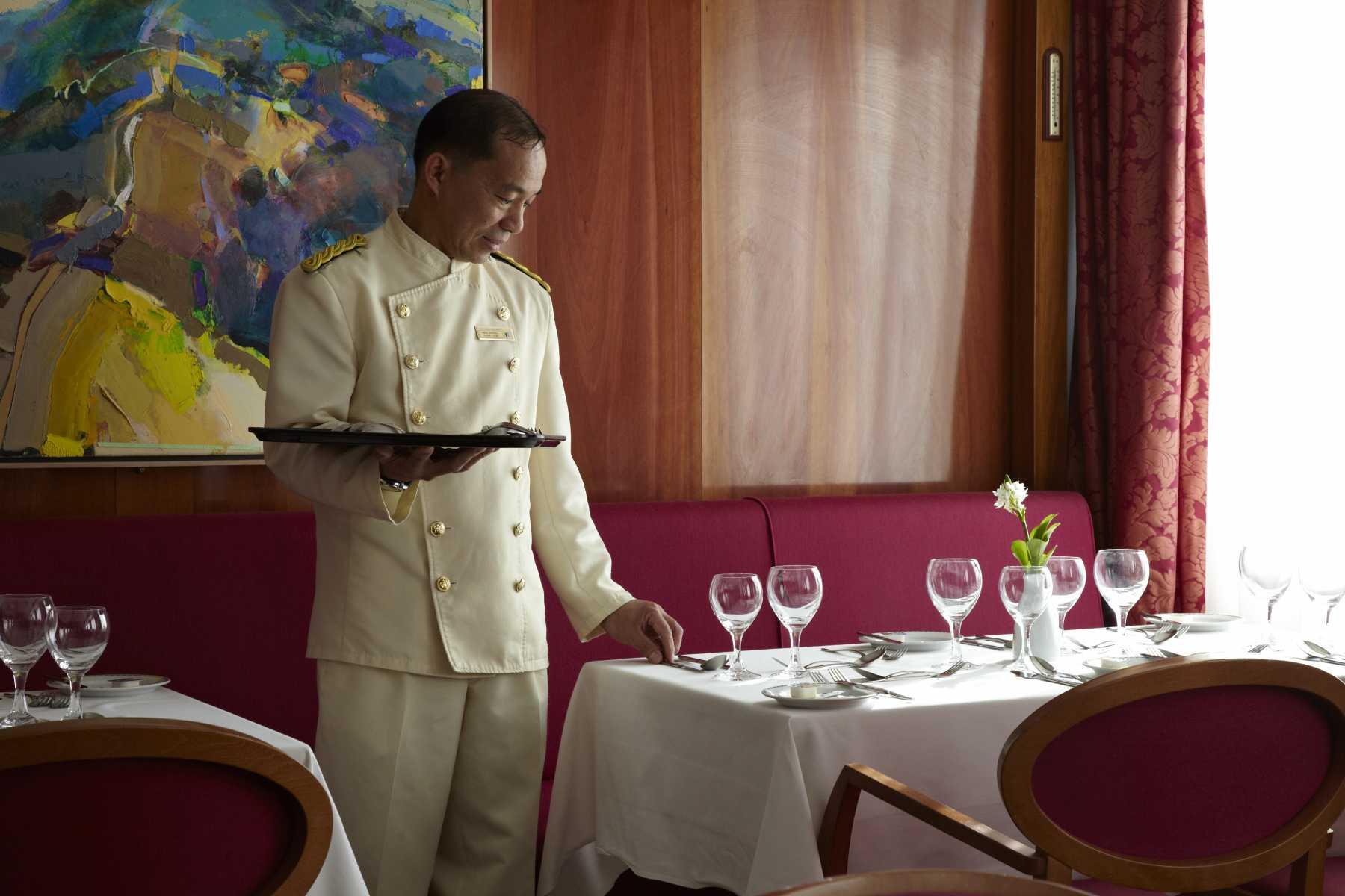 Fred Olsen Cruise Lines Boudicca Interior Tintagel Restaurant 9.jpg