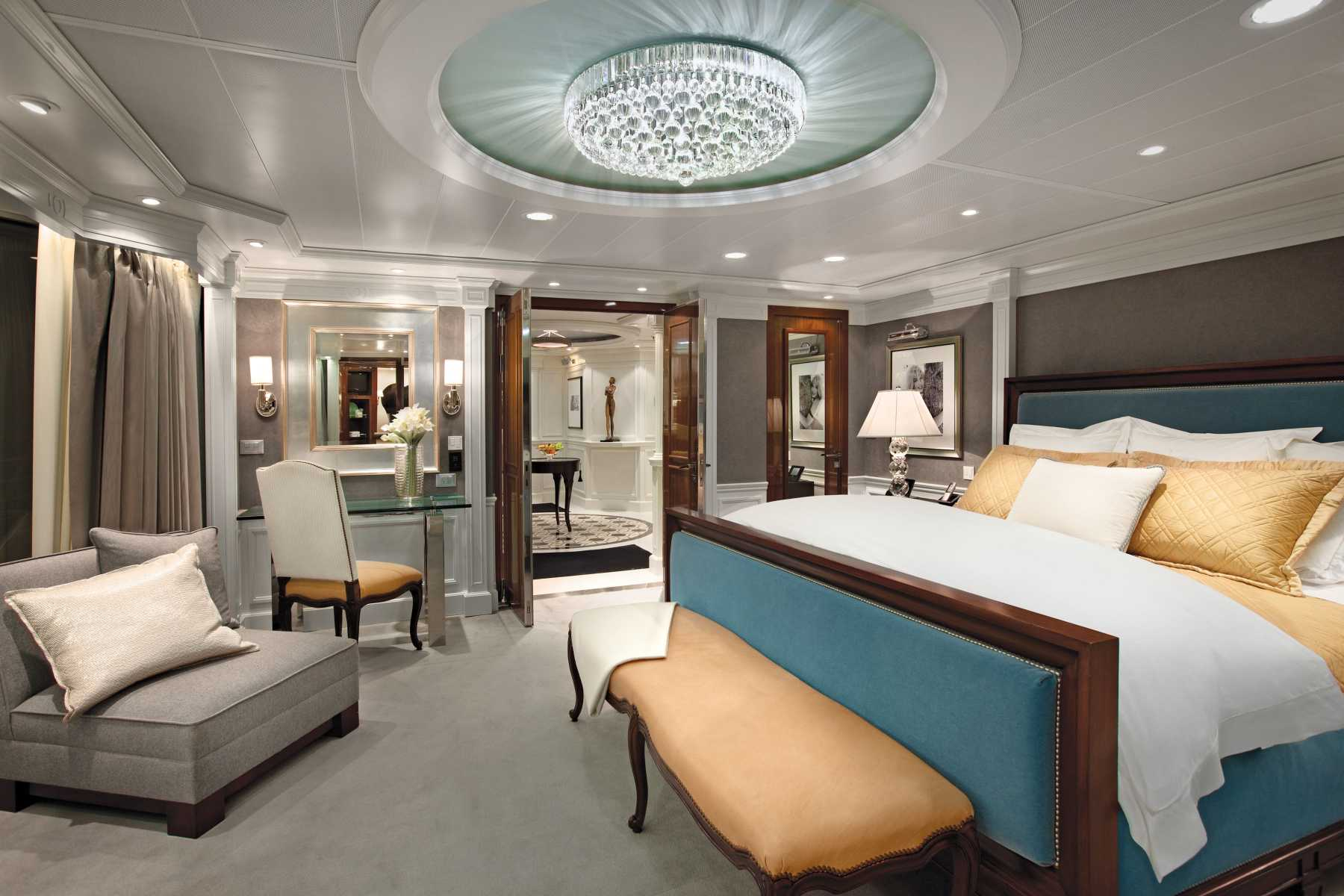Oceania Cruises Oceania Class Accommodation Owners Suite Bedroom.jpg