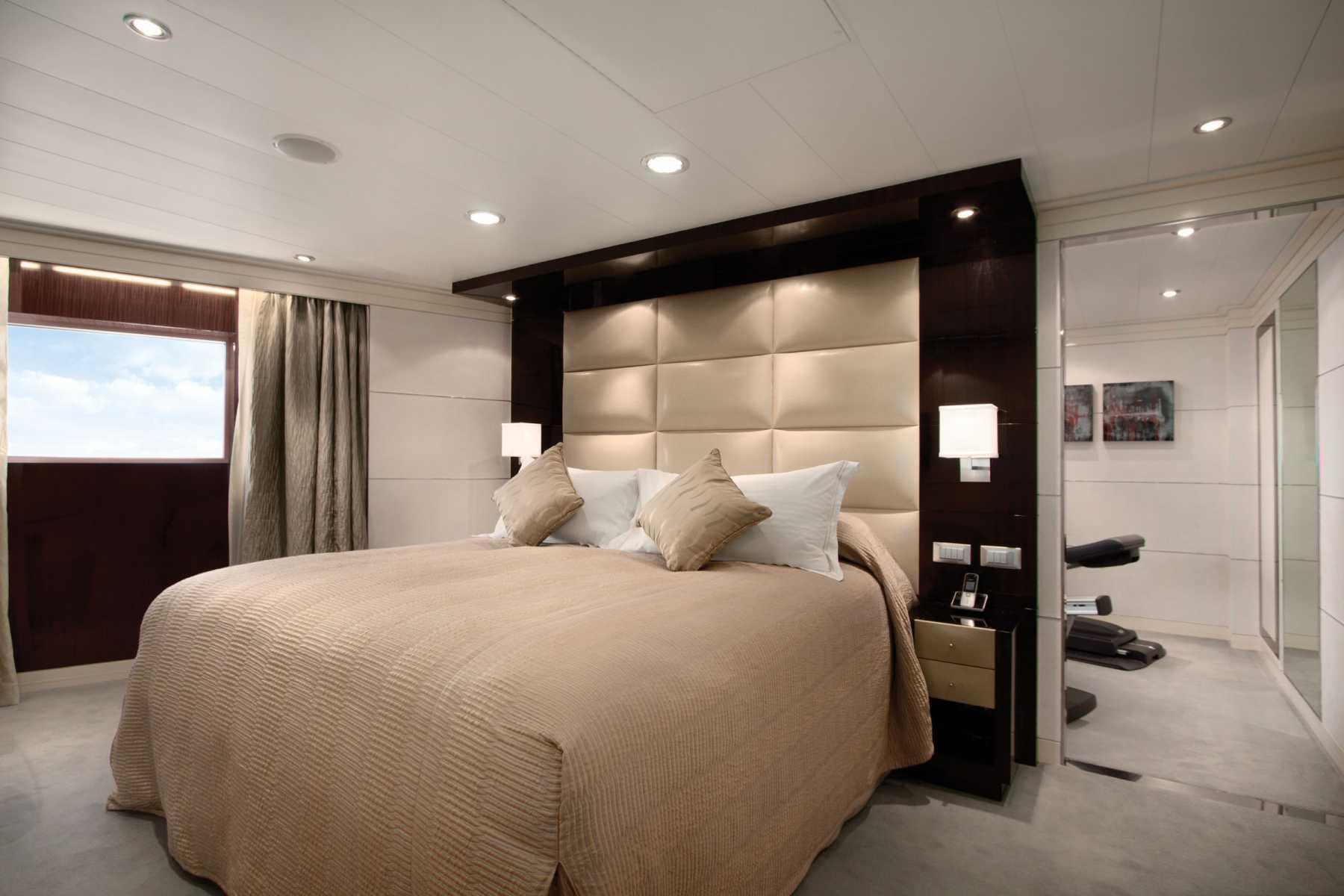 Oceania Cruises Oceania Class Accommodation Vista Suite Bedroom.jpg