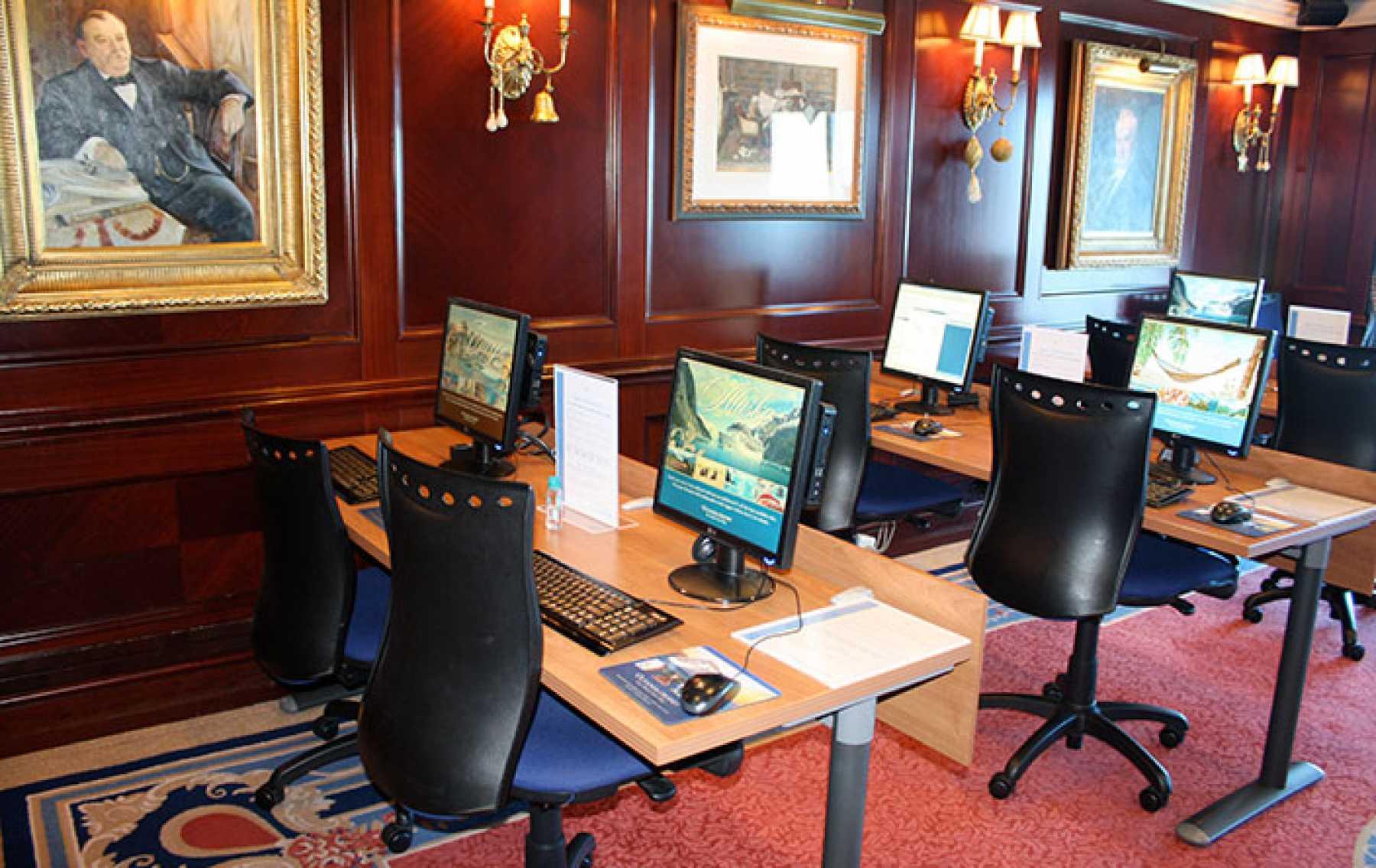 Oceania Cruises Nautica oceania-at-sea.jpg
