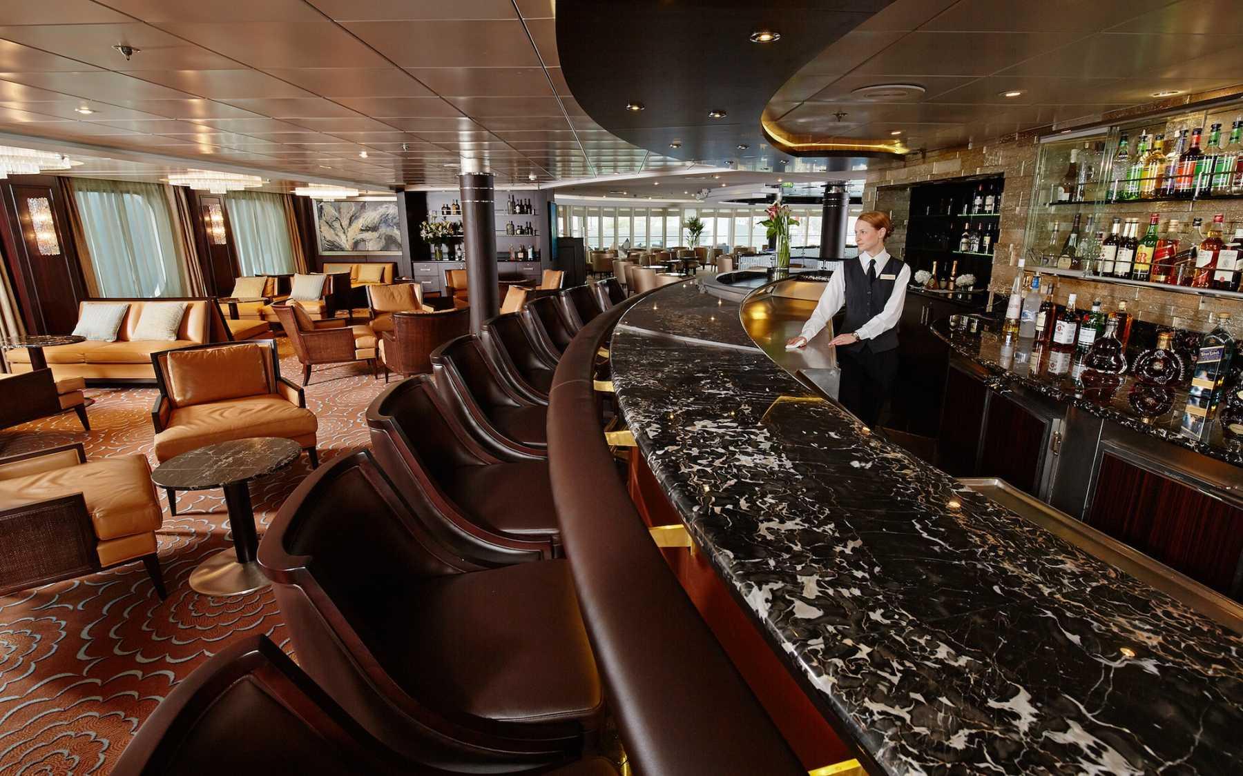 Amadeus Nightclub Aberdeen cruise select :: colossus to parthenon
