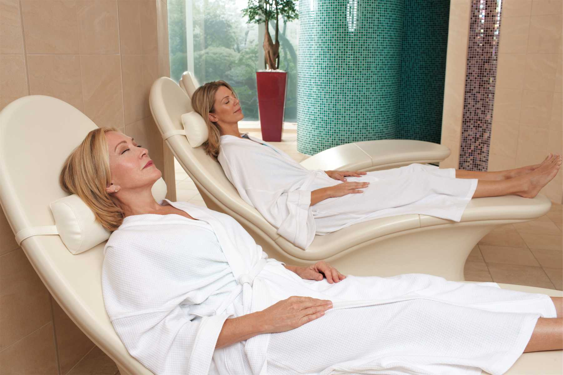Royal Caribbean International Oasis of the Seas Interior Vitality Spa 3.jpg