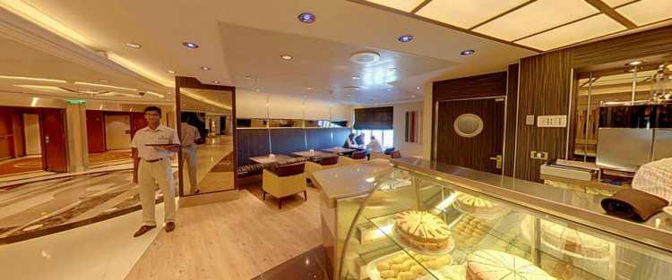 P&O Cruises Azura Interior Java.jpg