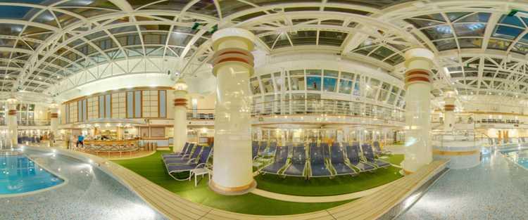 P&O Cruises Ventura Exterior Beachcomber Night.jpg