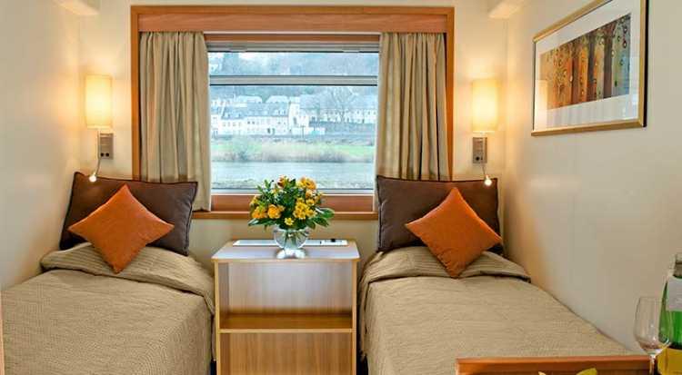 Viking River Cruises - Schumann - Accommodation - Standard A - Photo (1).jpg