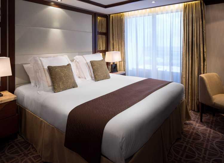 celebrity cruises celebrity silhouette royal suite bedroom.jpg