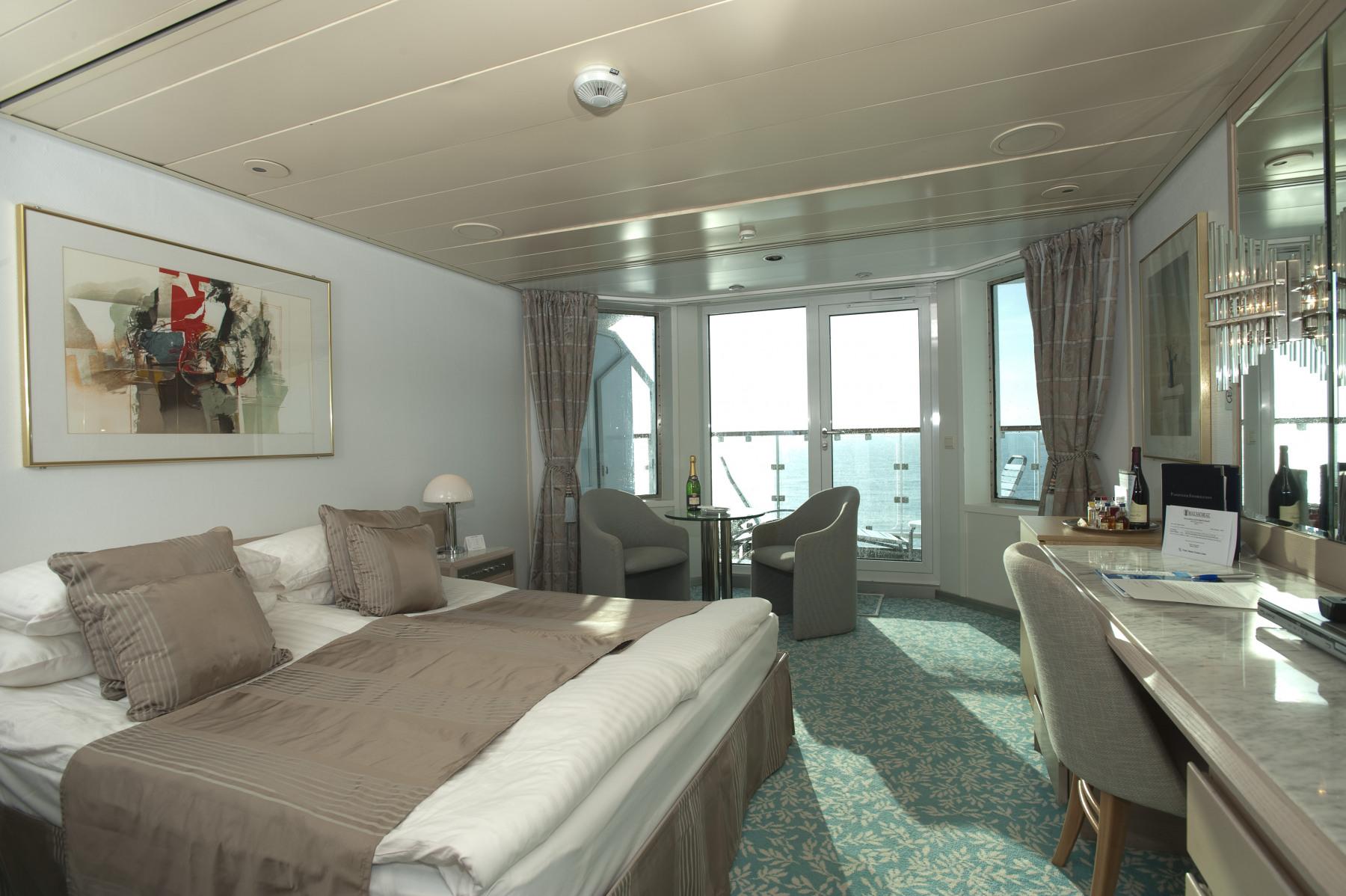 fred olsen cruise lines balmoral balcony cabins 2014.jpg