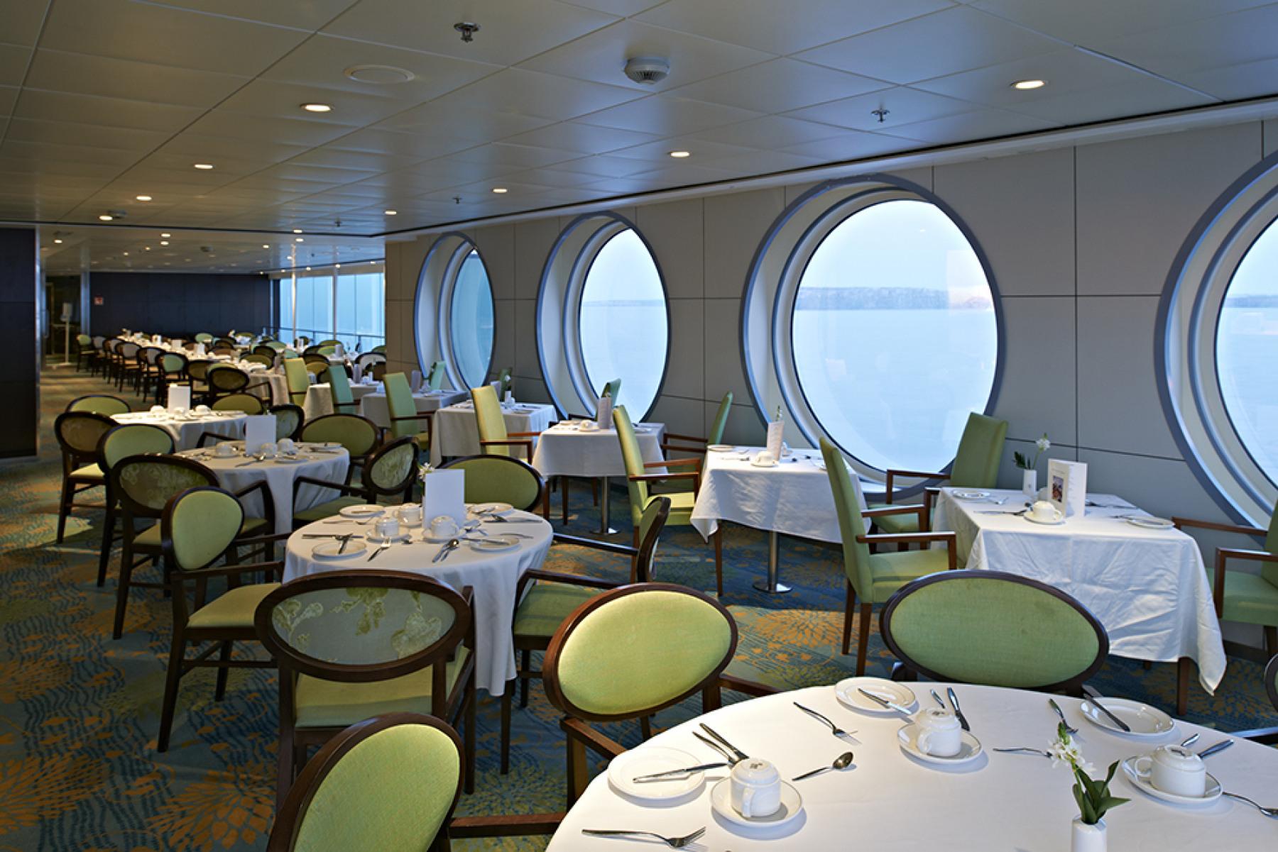 fred olsen cruise lines balmoral dining 2 2014.jpg