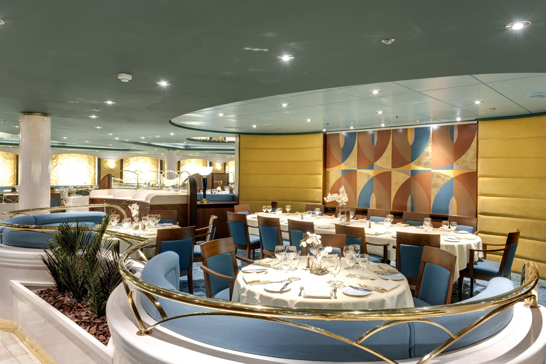 MSC Lirica Class Restaurant.jpg