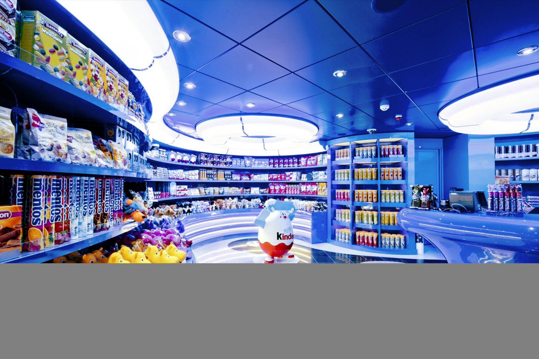 MSC Fantasia Class sweet shop.jpg