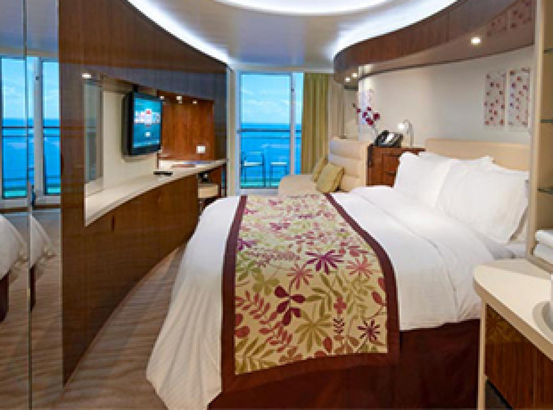 Norwegian Cruise Line Norwegian Epic Accommodation Spa Mini Suite.jpg