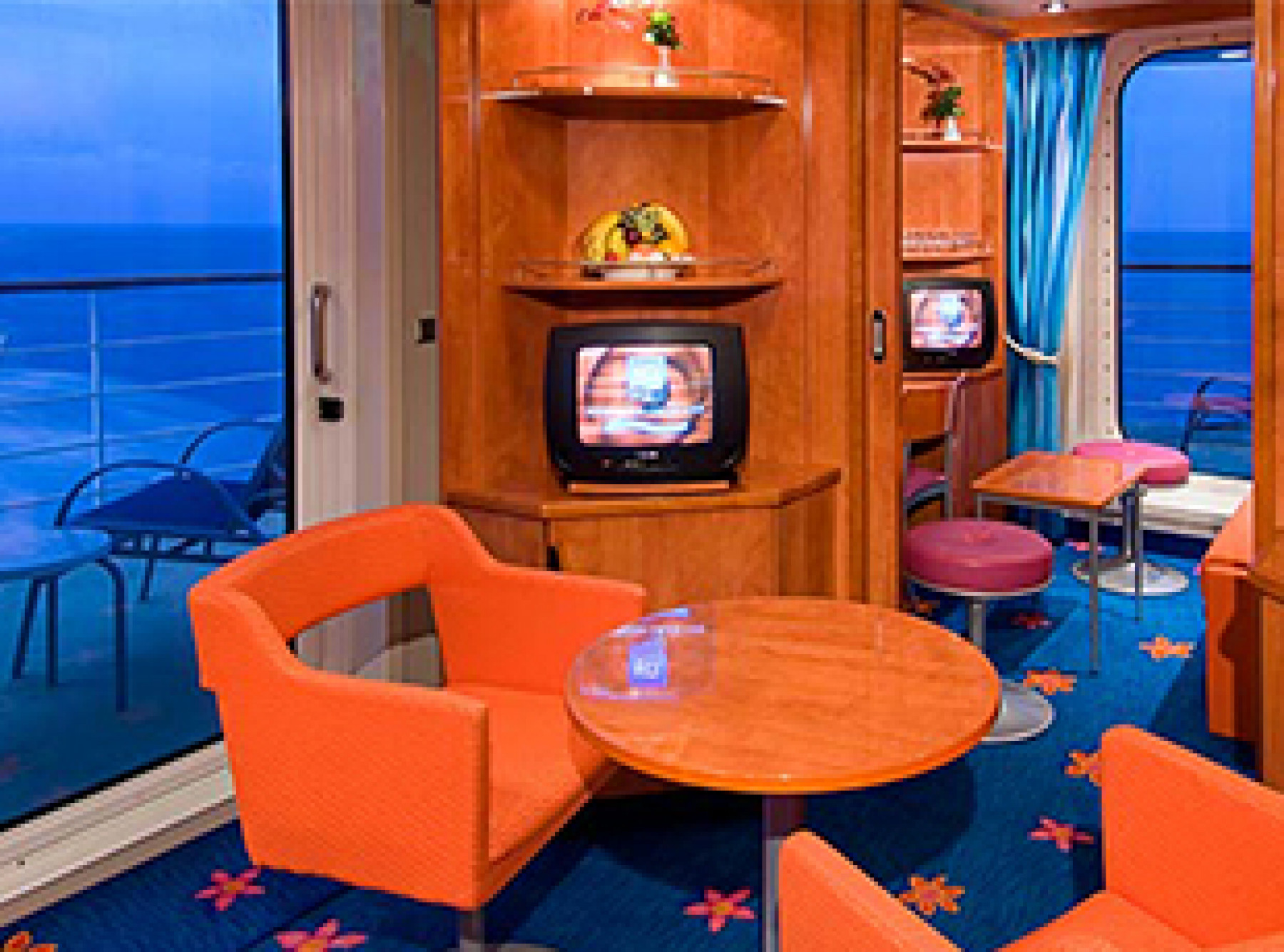 Norwegian Cruise Line Pride of America Accommodation family suite.jpg
