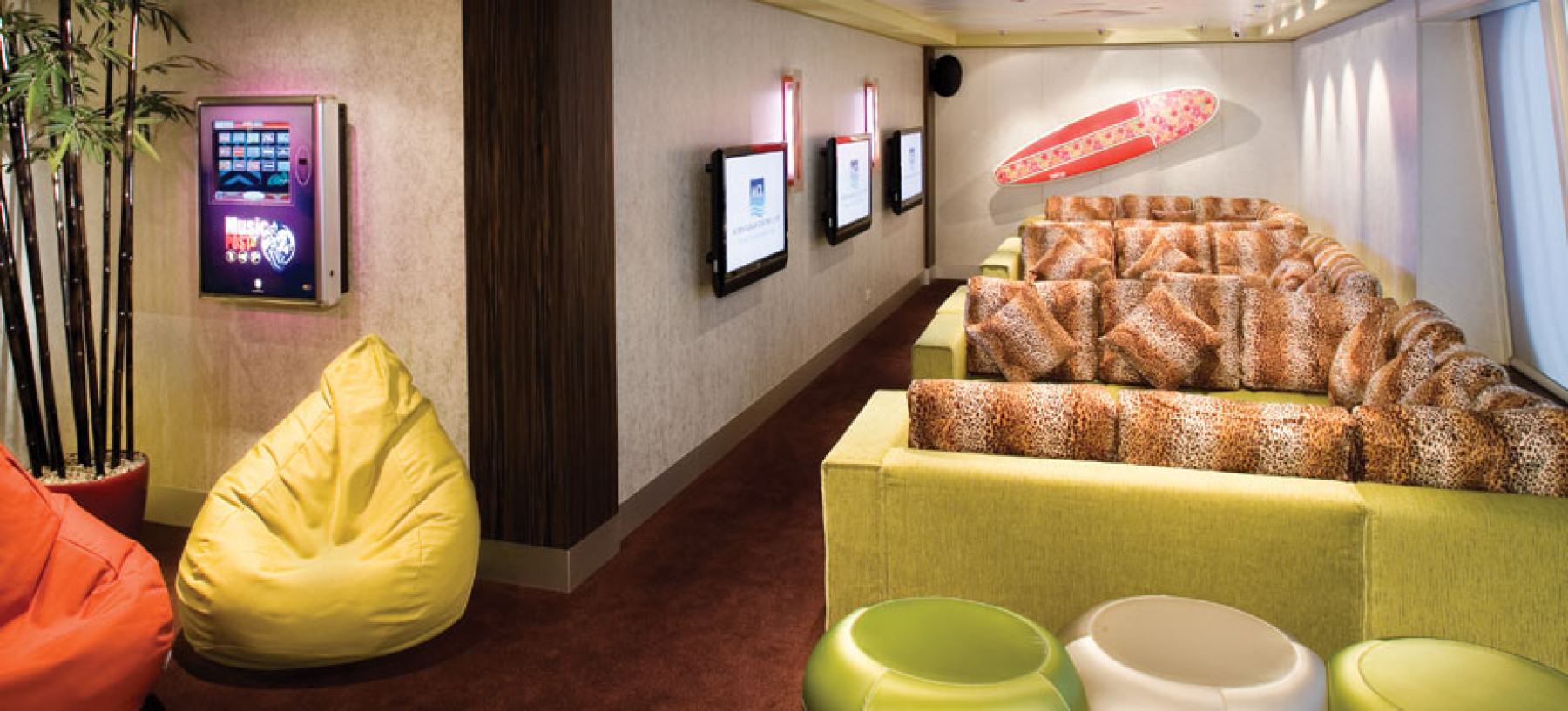 Norwegian Gem Leopard Lounge.jpg