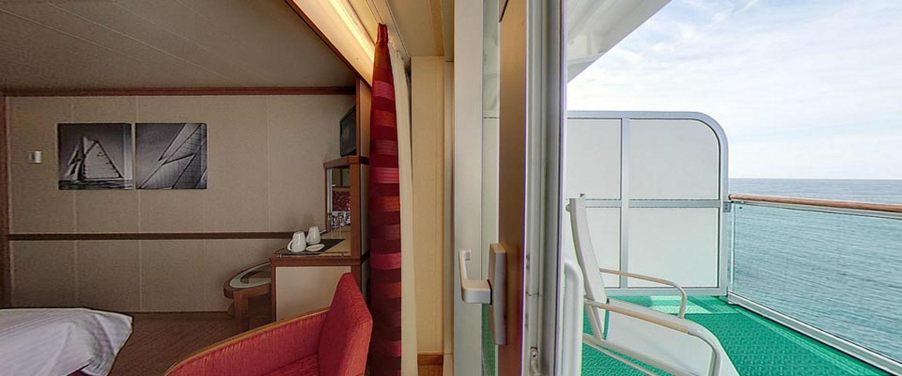 P&O Cruises Azura Accommodation Balcony Cabin.jpg