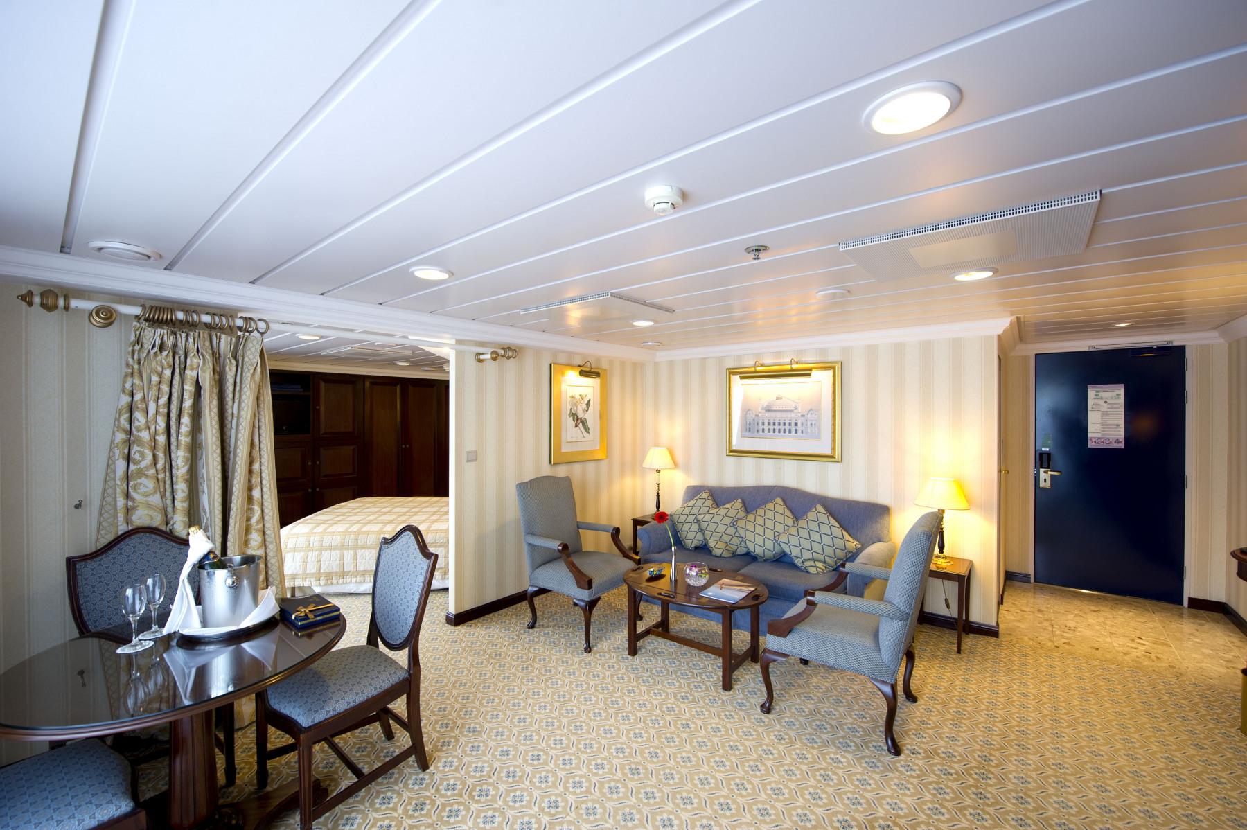 P&O Cruises Adonia Accommodation Penthouse Suite 2.jpg