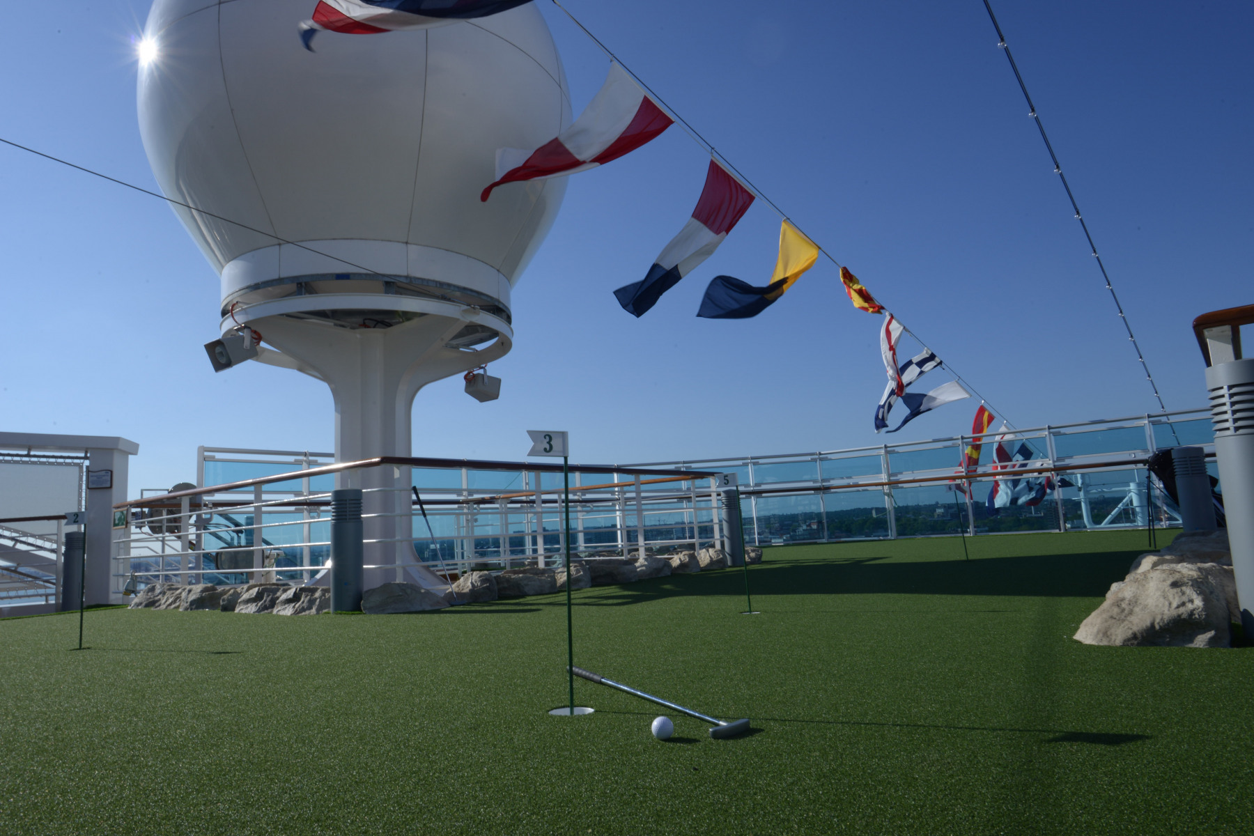 Princess Cruises Royal Class Interior golf.jpg