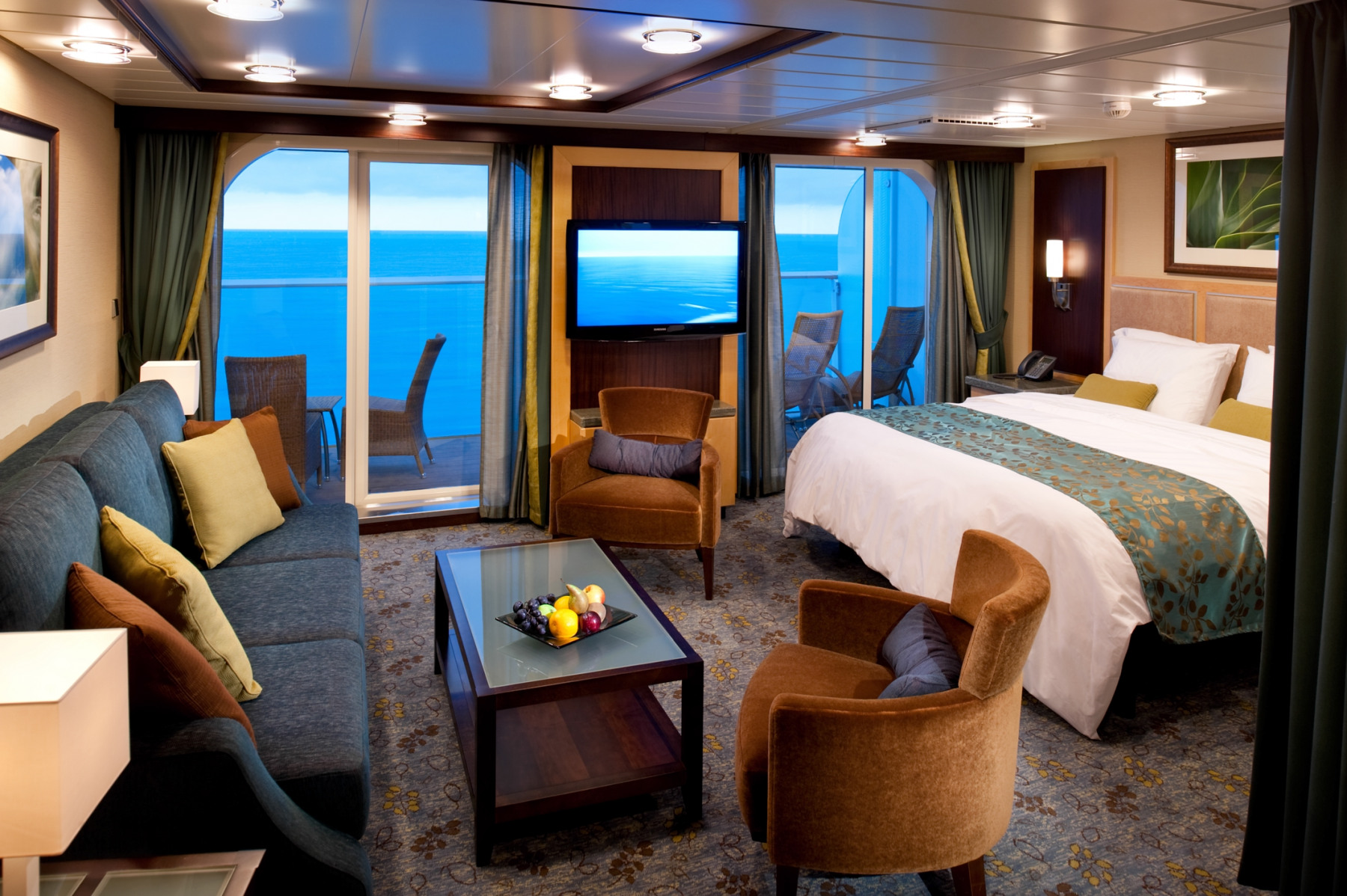 Royal Caribbean International Oasis of the seas accommodation grand suite.jpg