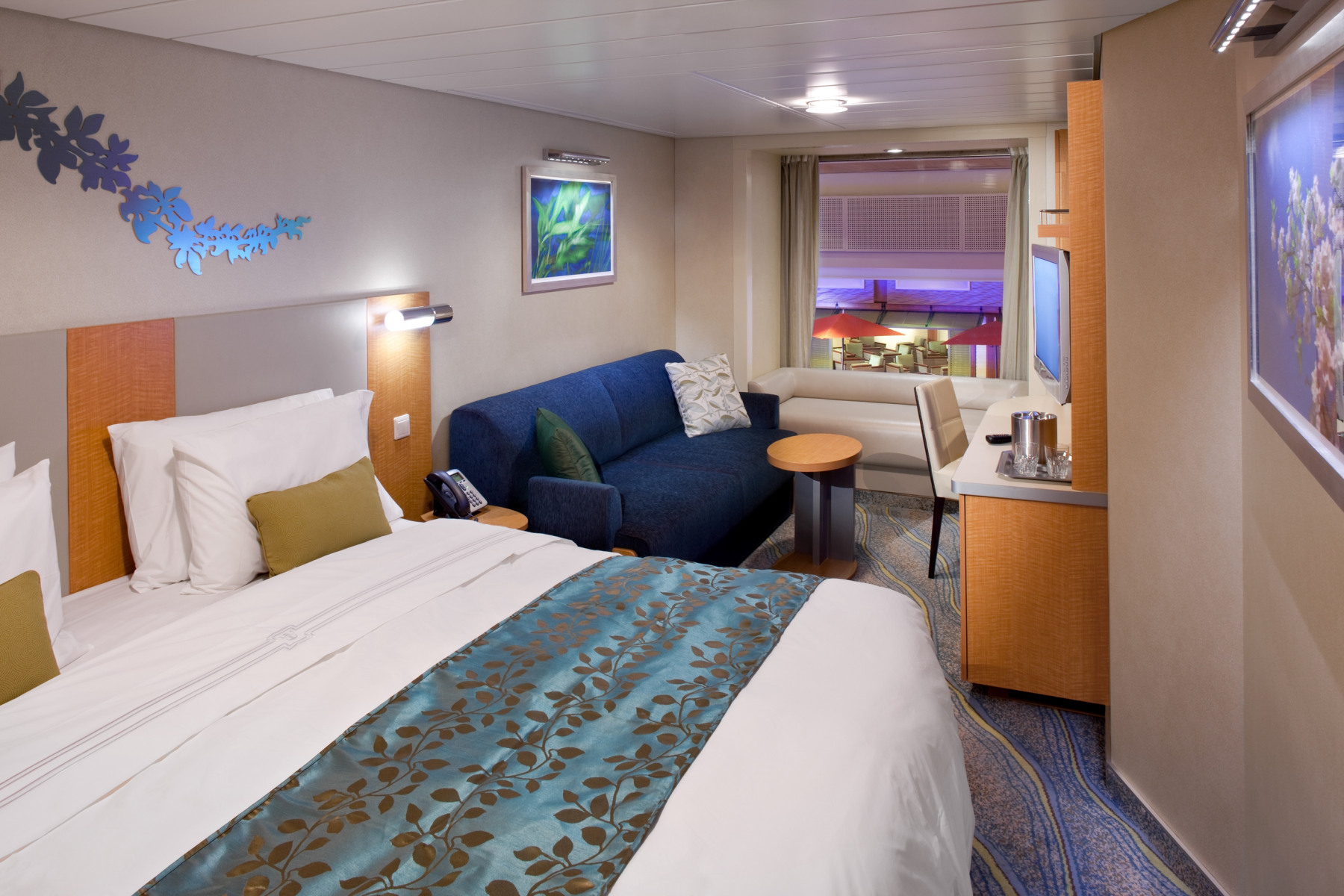 Royal Caribbean International Oasis of the seas accommodation promenade view stateroom.jpg