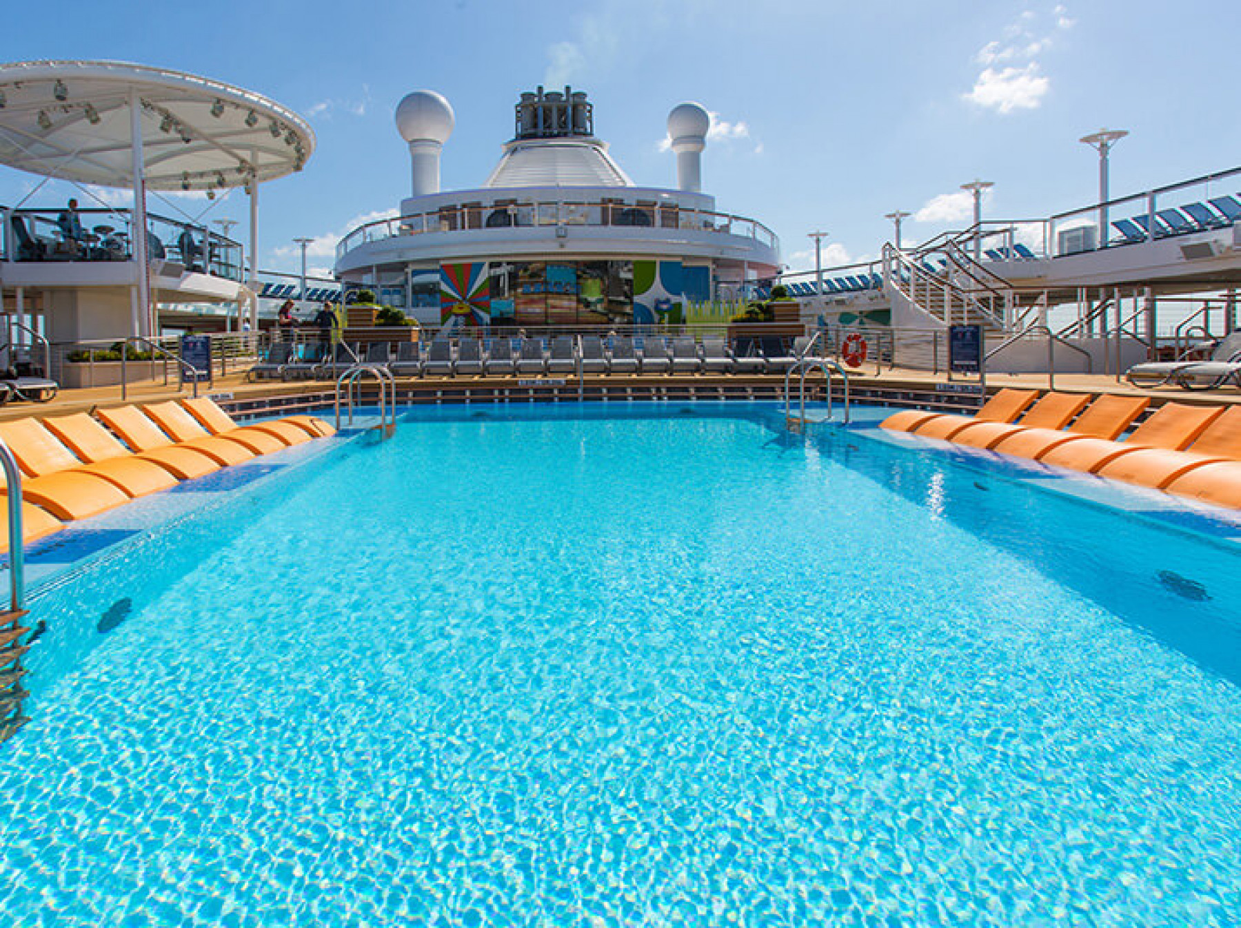 anthem of the seas pool .jpg