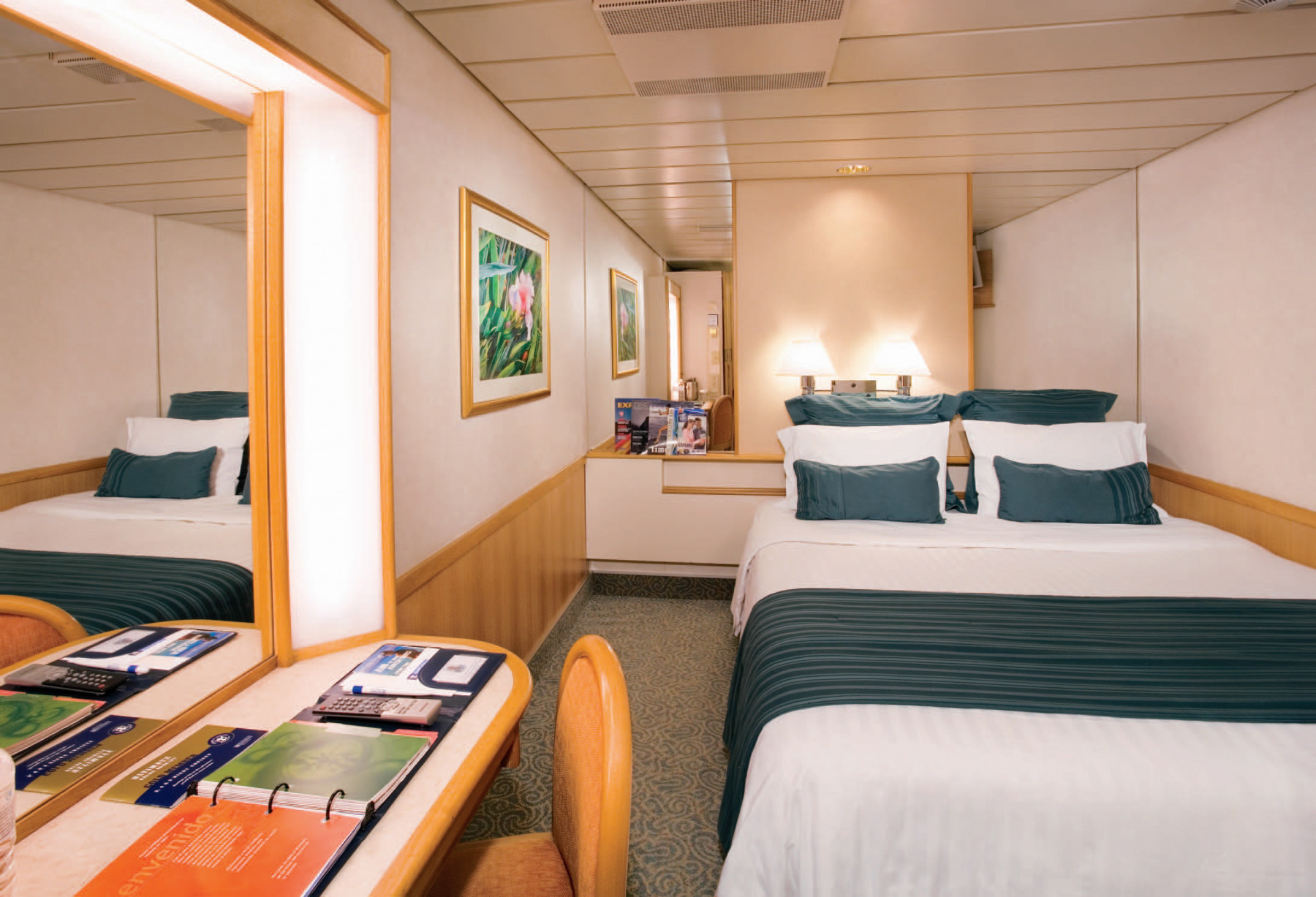 Royal Caribbean International Majesty of the Seas Accomm interior stateroom.jpg
