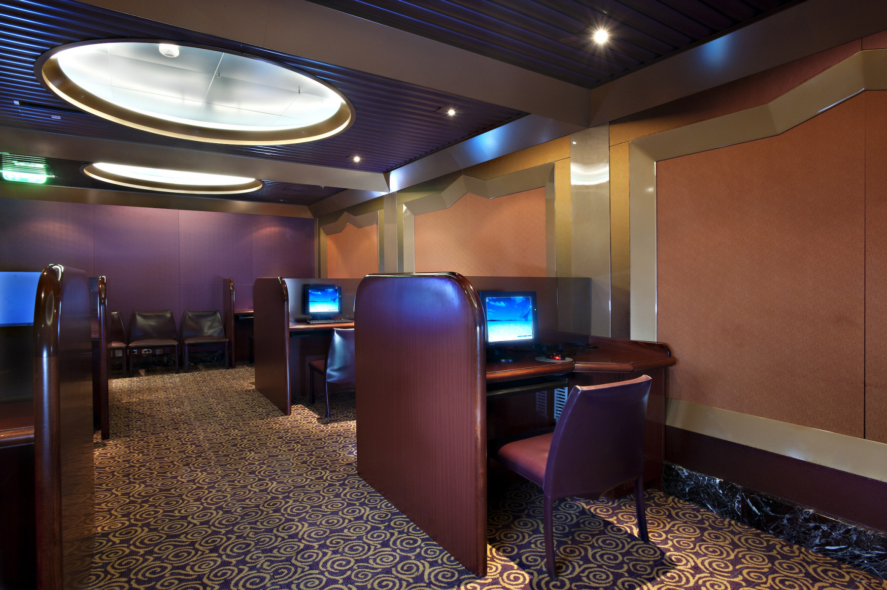 Carnival Glory Internet Cafe 1.jpg
