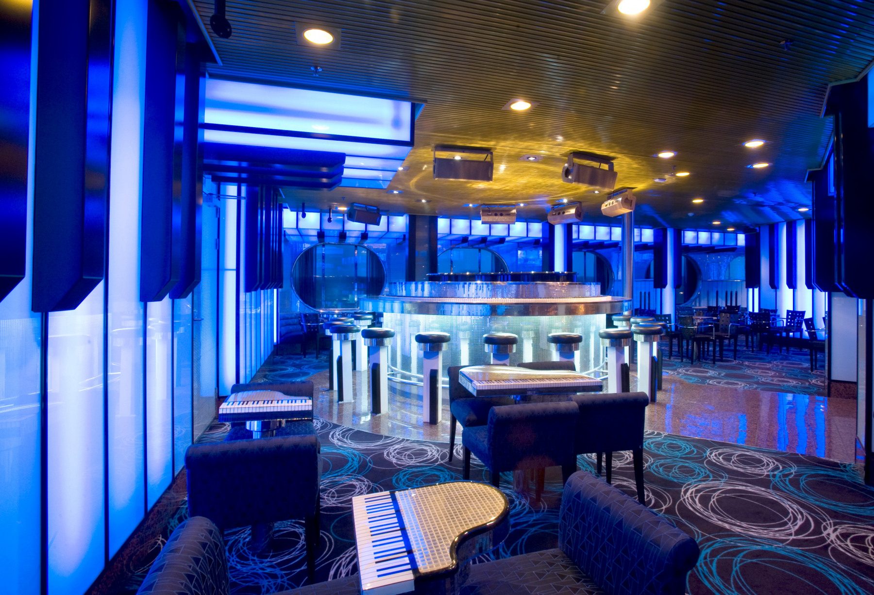 Carnival Fascination Bar 1.jpg