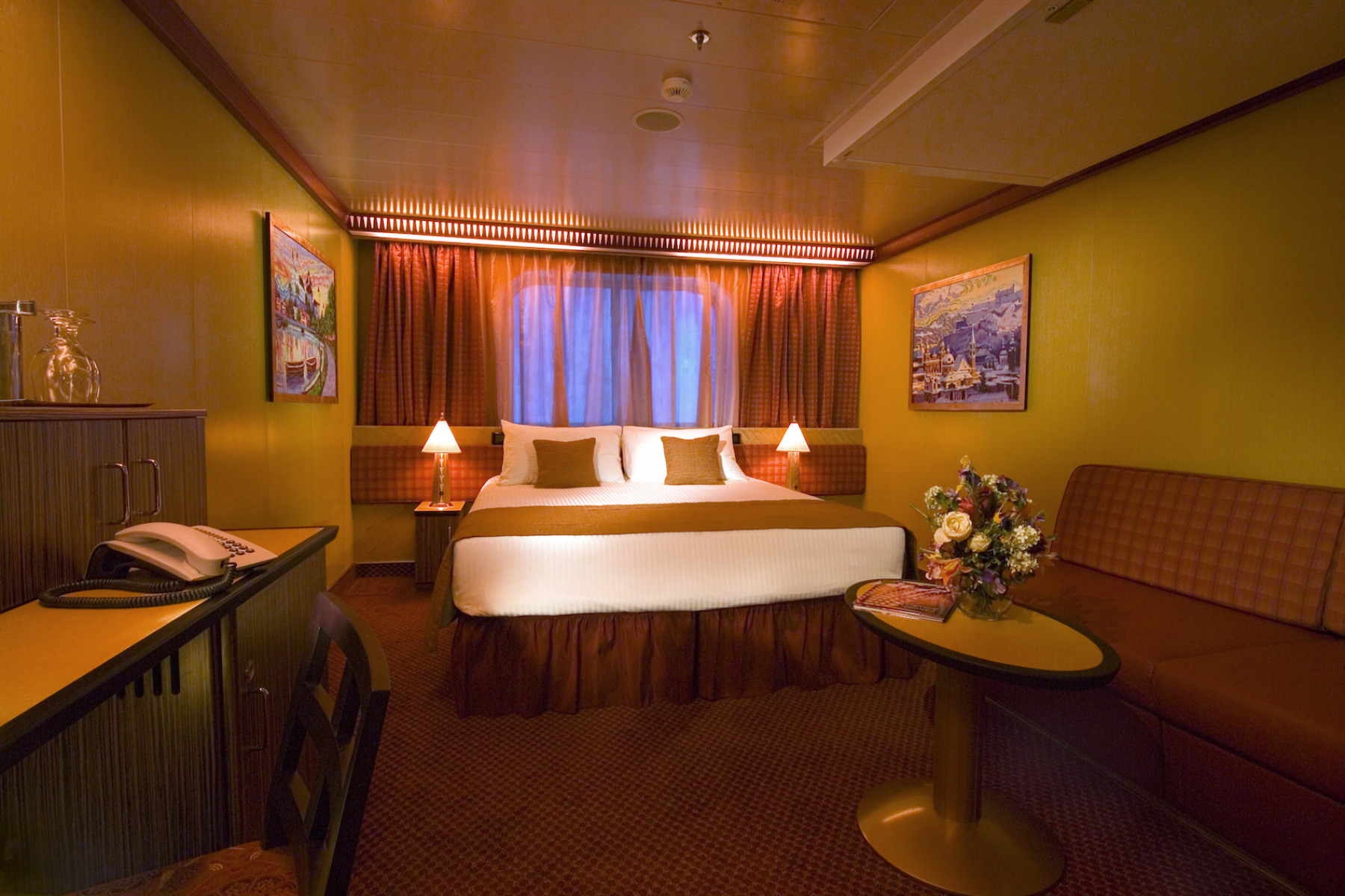 Carnival Splendor Cloud 9 Suite 2.jpg