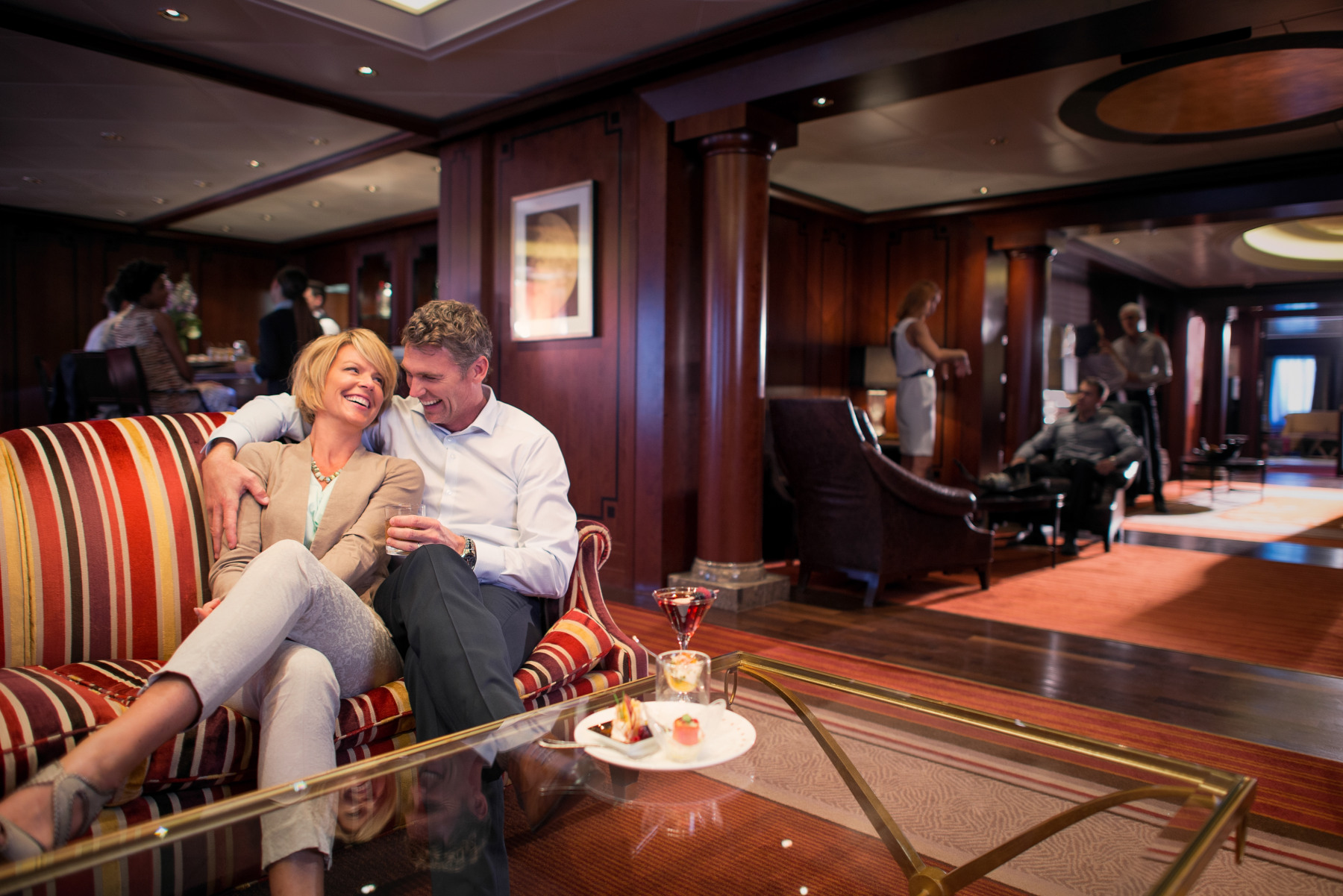 celebrity cruises celebrity eclipse  michaels club lounge.jpg