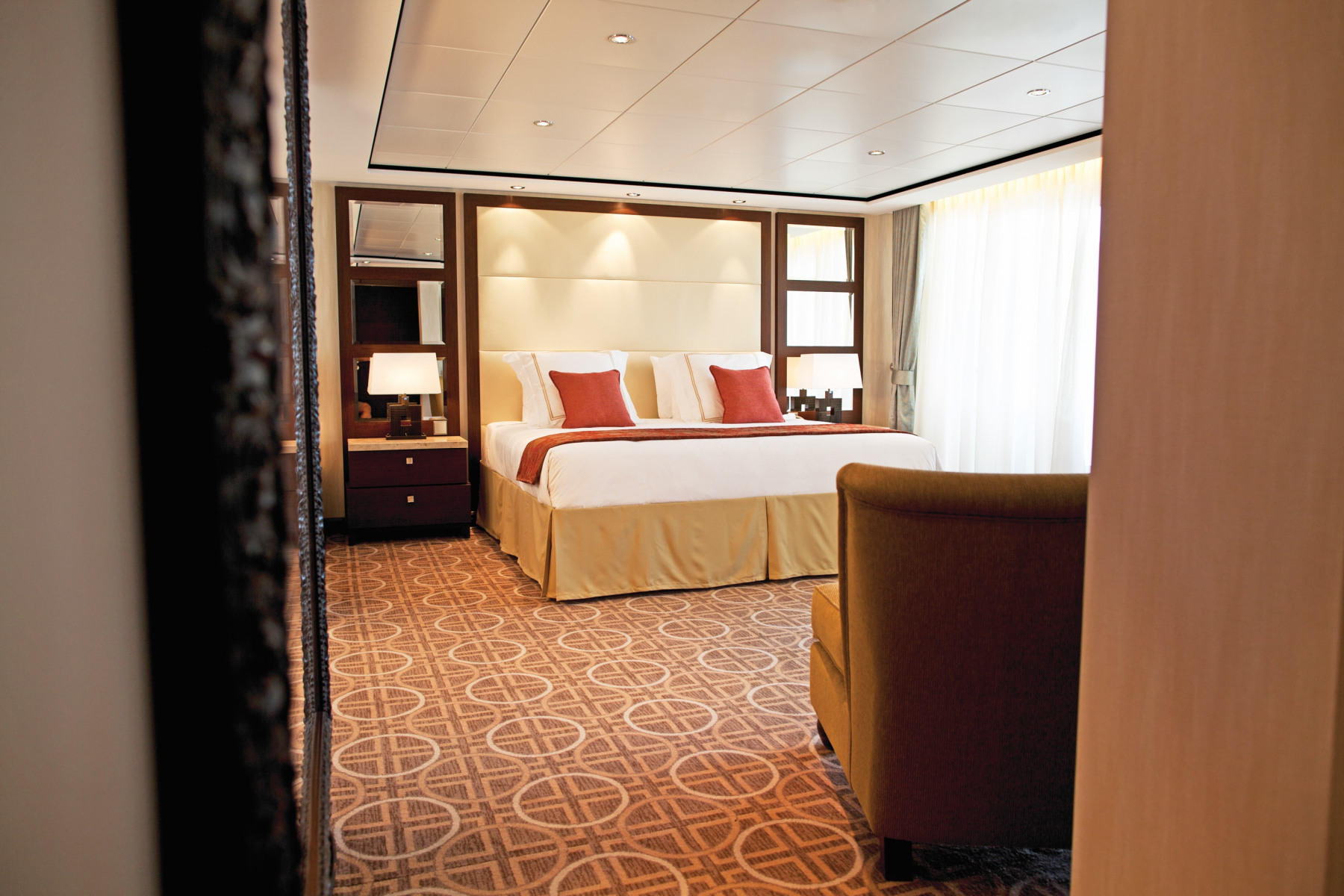 celebrity cruises celebrity silhouette ppenthouse suite bedroom .jpg