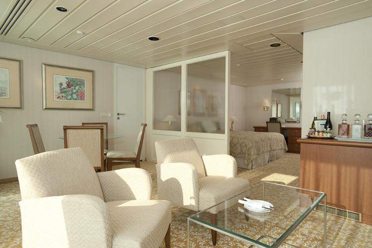 fred olsen cruise lines balmoral balcony cabins 3 2014.jpg