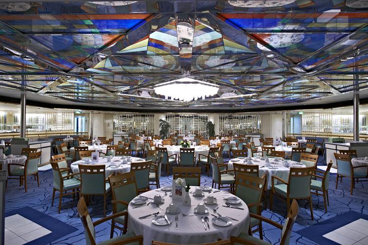 fred olsen cruise lines balmoral dining 2014.jpg
