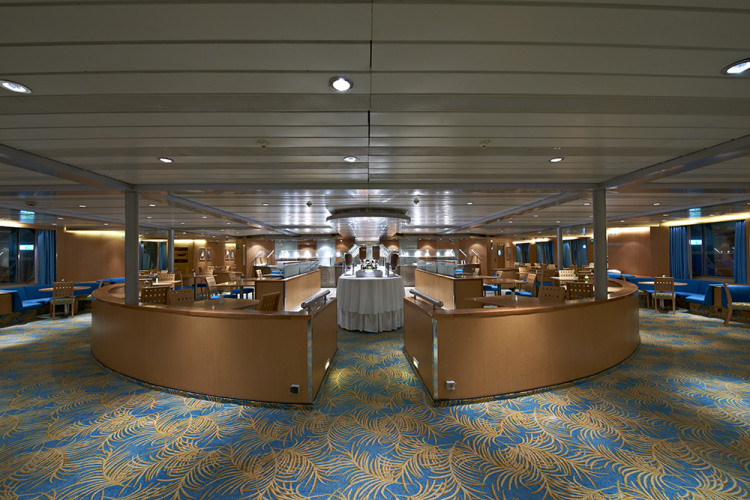 fred olsen cruise lines balmoral bar 2014.jpg