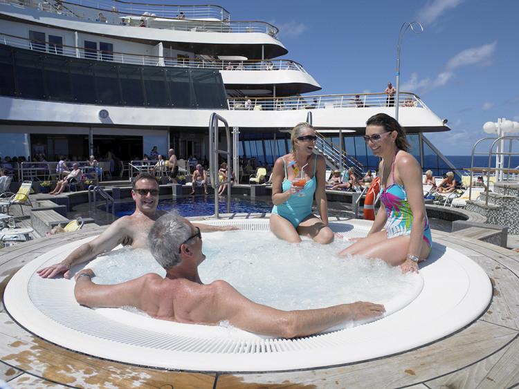 fred olsen cruise lines balmoral jacuzzi 2014.jpg
