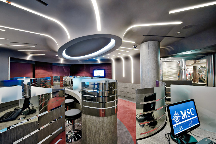 MSC Fantasia Class internet cafe.jpg