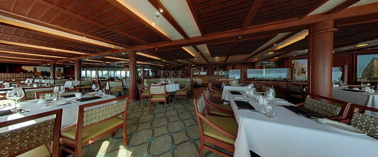 P&O Cruises Azura Interior Verona.jpg