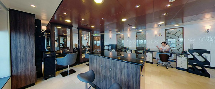 P&O Cruises Azura Interior Oasis Spa Salon.jpg