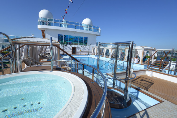 Princess Cruises Royal Class Interior lido.jpg