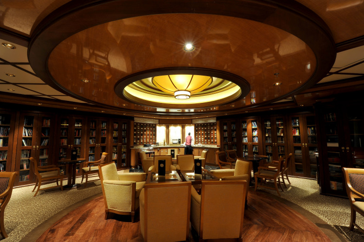 Princess Cruises Grand Class Ruby Princess Library new.jpg