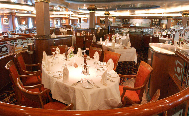 Princess Cruises Sun Class dp_dining_room_lg.jpg