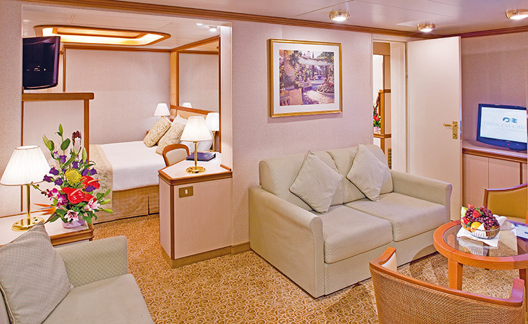 Princess Cruises Ruby Princess Accommodation Family Suite with Balcony.jpg